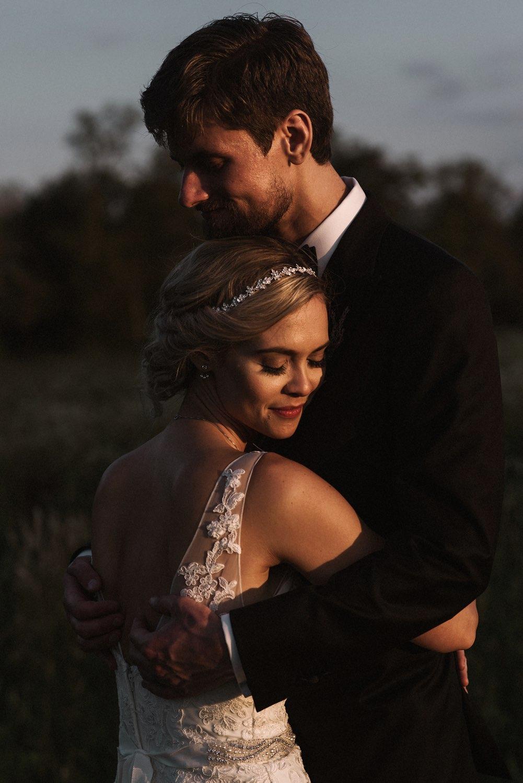 artistic photojournalistic pittsburgh wedding photography