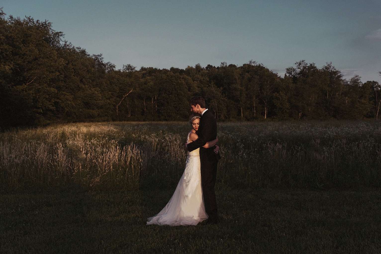 bride and groom, boho bride, portraits, sunset portraits
